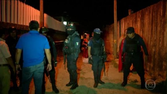 Homens armados entram em festa e matam 13 pessoas no México