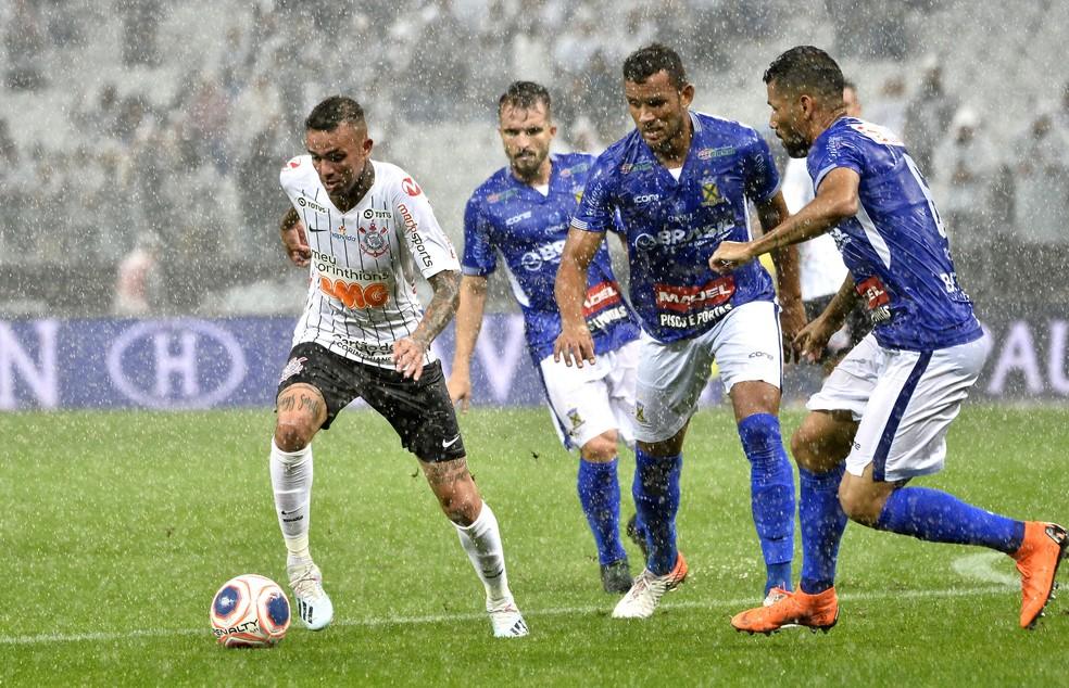 Santo André é o melhor na classificação geral; Corinthians está fora da zona de classificação em seu grupo — Foto: Marcos Ribolli