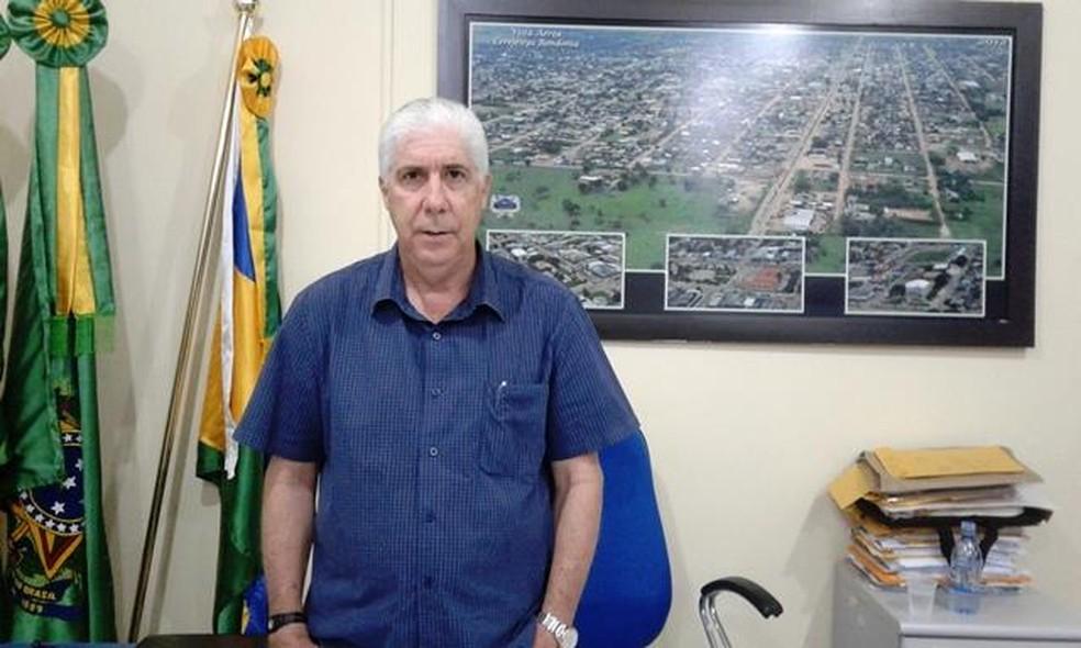Airton Gomes saiu do cargo após pedir renúncia em Cerejeiras — Foto: Facebook/Reprodução