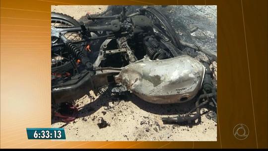 Duas pessoas morrem carbonizadas em colisão frontal entre motos na PB