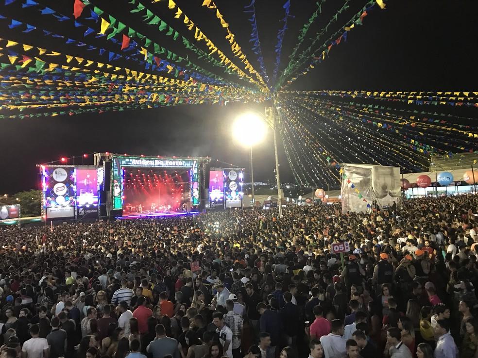 Cerca de 60 mil pessoas estiveram presentes no Pátio de Eventos Luiz Lua Gonzaga na noite deste sábado (9) (Foto: Joalline Nascimento/G1)