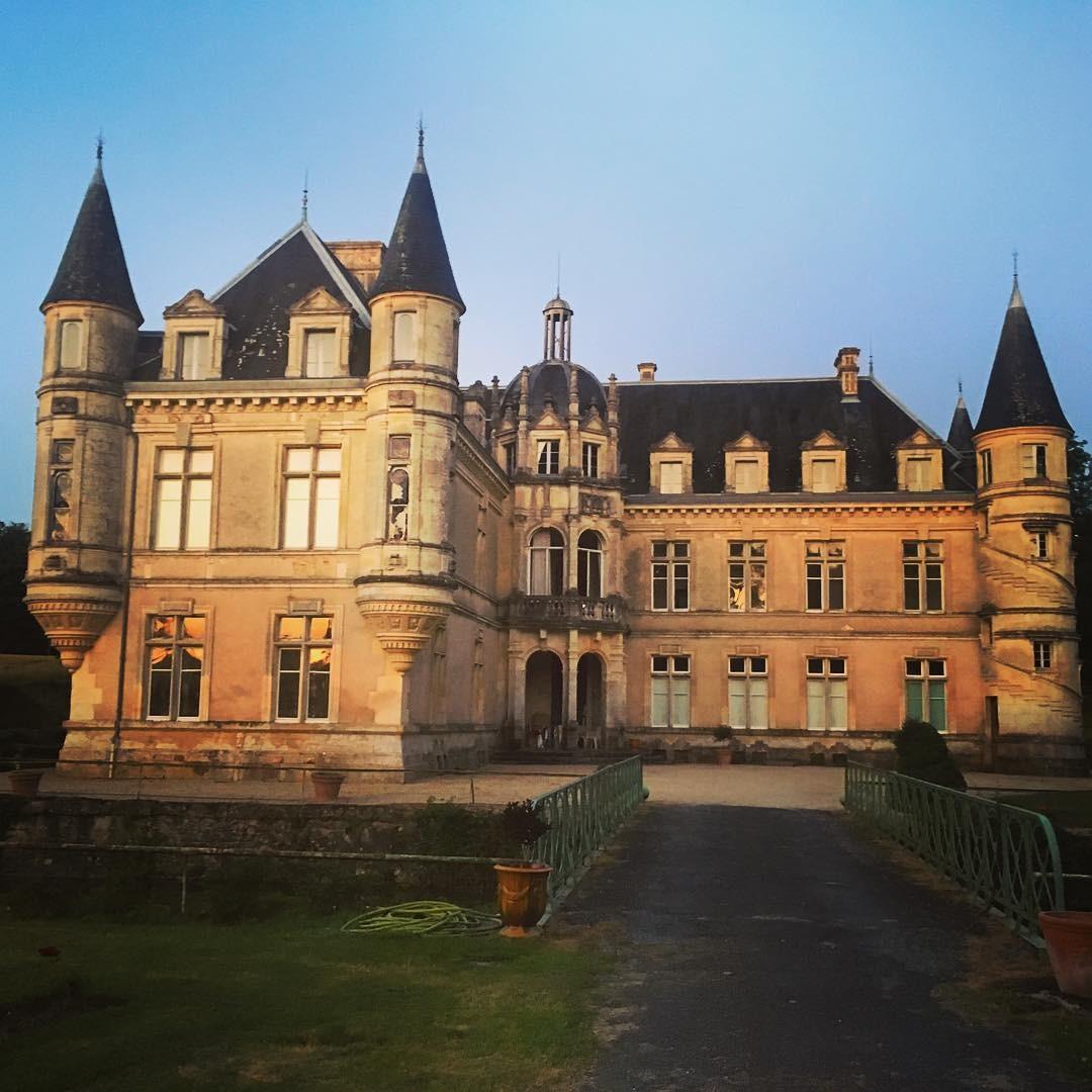 Erin se apaixonou pelo castelo quando ela e Jean-Baptiste faziam uma viagem (Foto: Reprodução / Instagram)