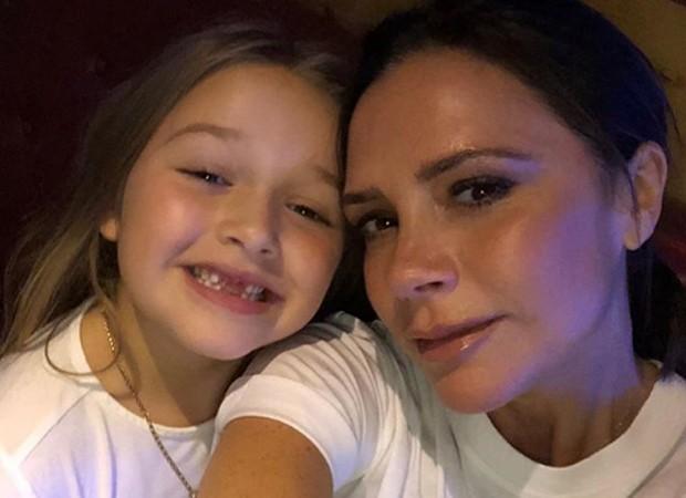 Victoria Beckham e a filha, Harper (Foto: Reprodução/Instagram)