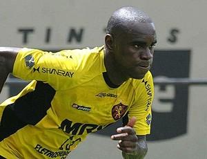 Hugo, do Sport, diz que foi sondado por Santos, Flamengo, Vasco e Vitória