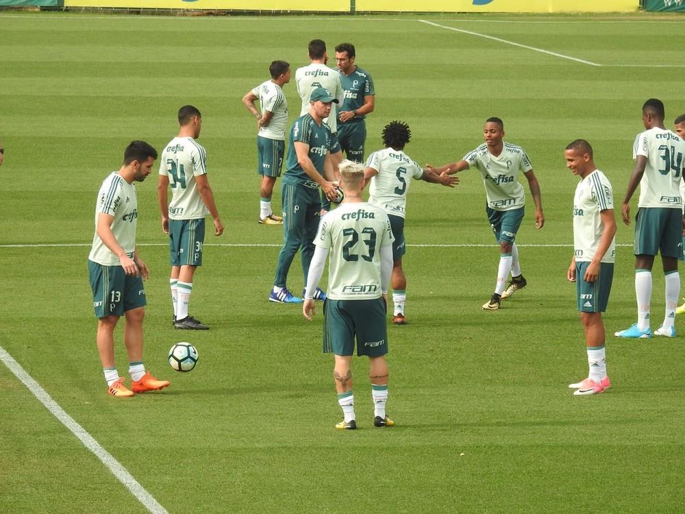 Palmeiras e Cruzeiro empatam em 2 a 2; Corinthians agradece e comemora