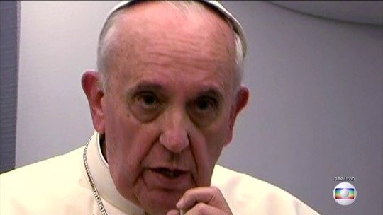 Papa Francisco diz que Igreja Católica deveria pedir desculpas ao gays