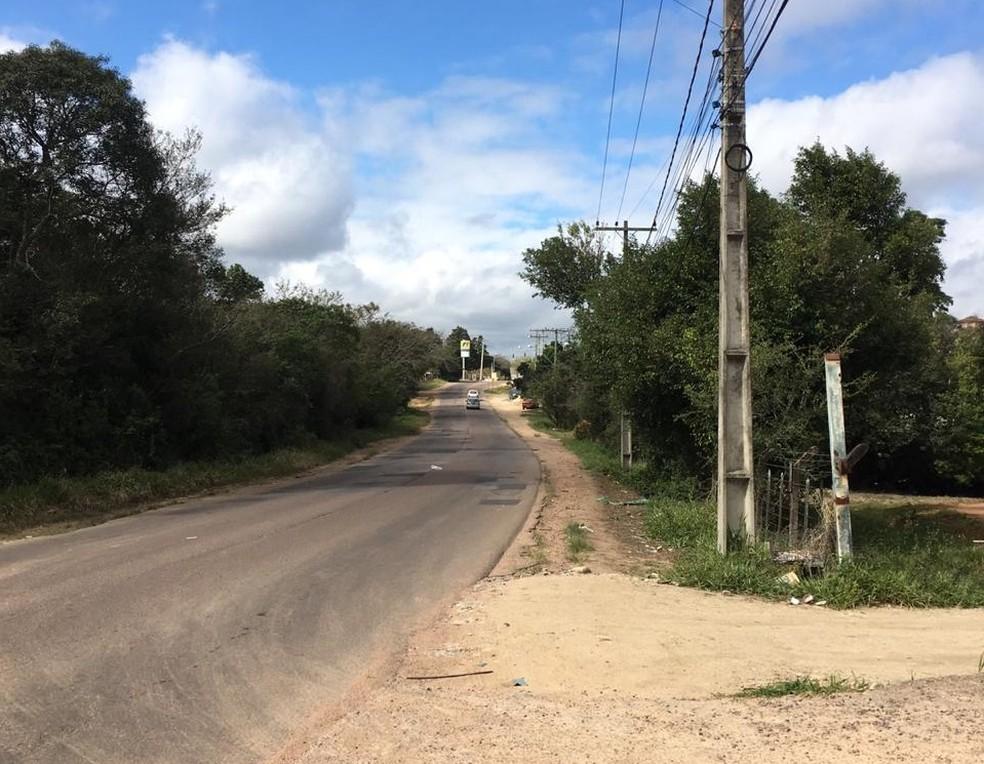 Corpo de Germano Aires Garcia Ferner foi encontrado às margens da Estrada Caminho do Meio, em Vimão — Foto: Divulgação/Polícia Civil