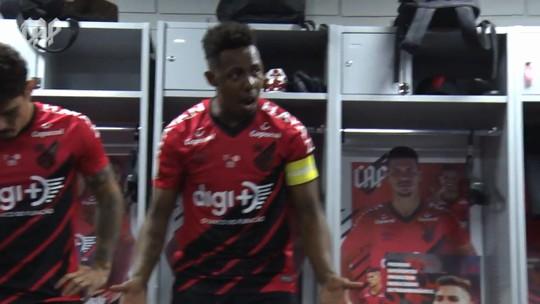 Wellington supera desconfiança, vira líder com voz ativa e tenta levar Athletico a título inédito