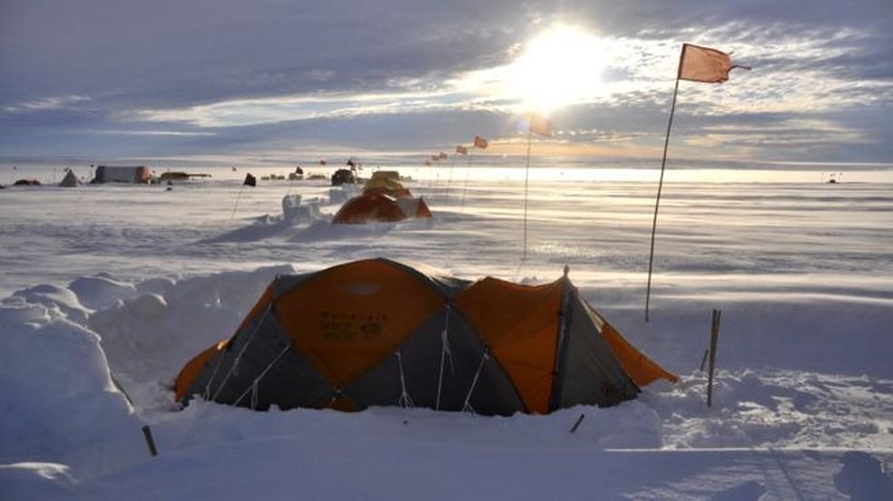 Uma viagem 'à geleira do fim do mundo' ameaçada pelo aquecimento global — Foto: BBC