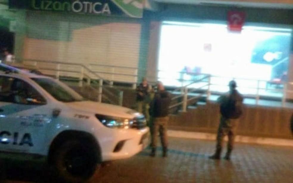 Posto bancário do Bradesco fica no Centro de Aliança, na Zona da Mata de Pernambuco — Foto: Reprodução/WhatsApp