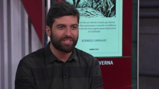 Jornalista Rodrigo Carvalho lança livro 'Os meninos da caverna', no Rio