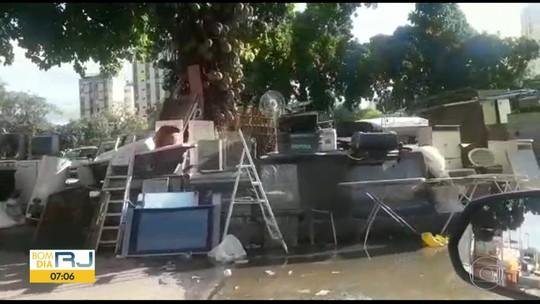 Usuários de crack e sem-teto ocupam canteiros e fazem até 'feira da sucata' no Rio