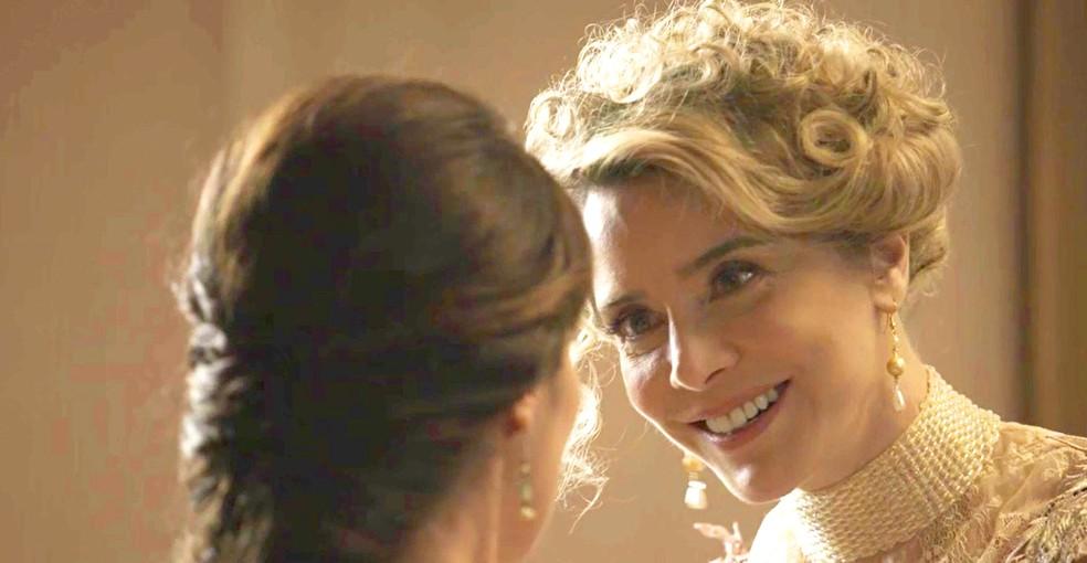 Josephine continua armando para cima de Cecília  — Foto: TV Globo