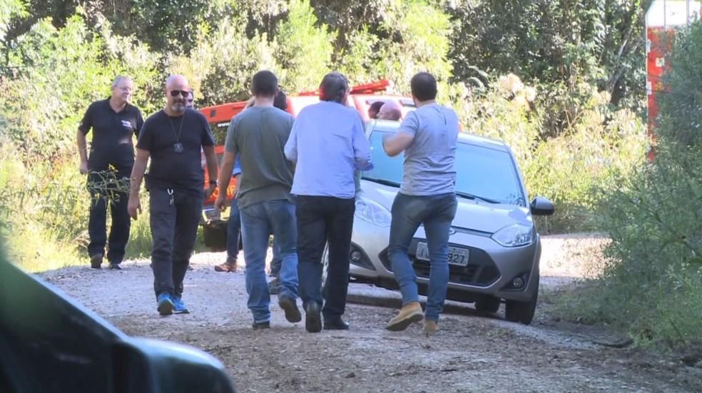 Policiais encontraram corpo de Naiara às margens de uma barragem no interior de Caxias do Sul (Foto: Reprodução/RBS TV)