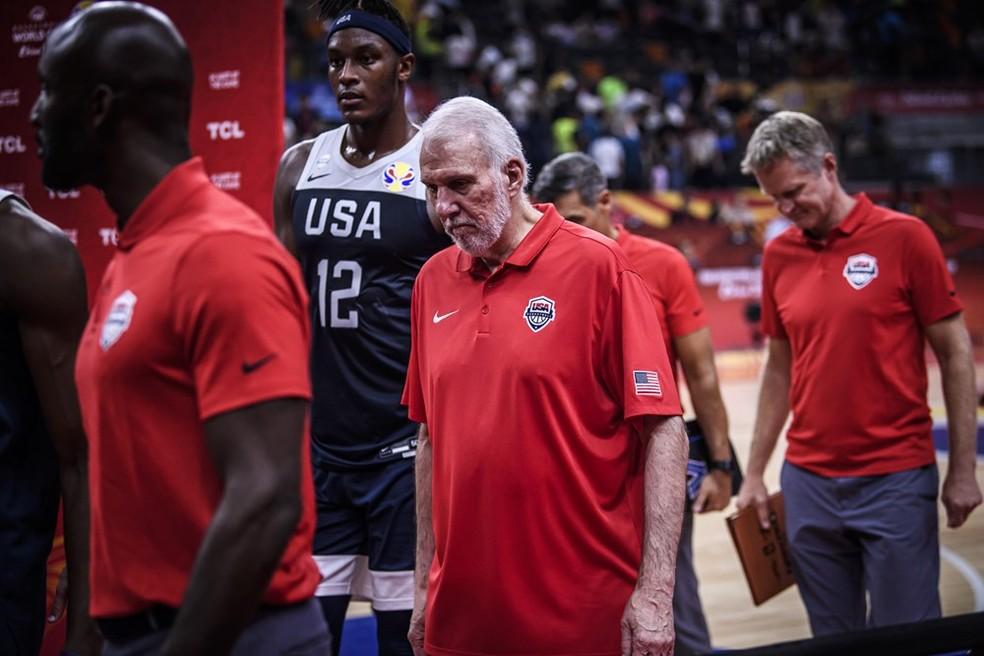 Gregg Popovich, técnico da seleção e um dos melhores da NBA, não conseguiu montar um time competitivo — Foto: Divulgação/FIBA