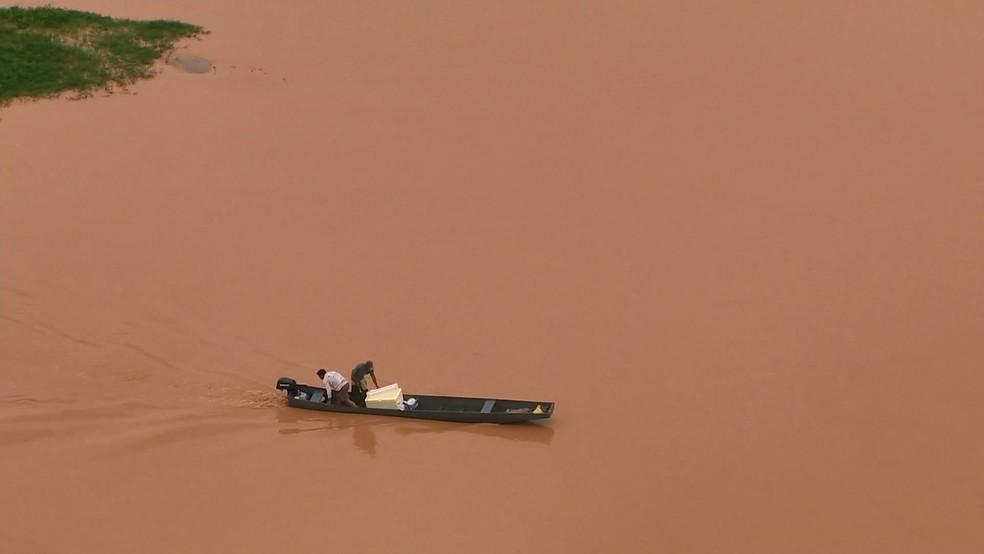 Lama no Rio Doce, em novembro de 2015 — Foto: Arquivo/ TV Gazeta