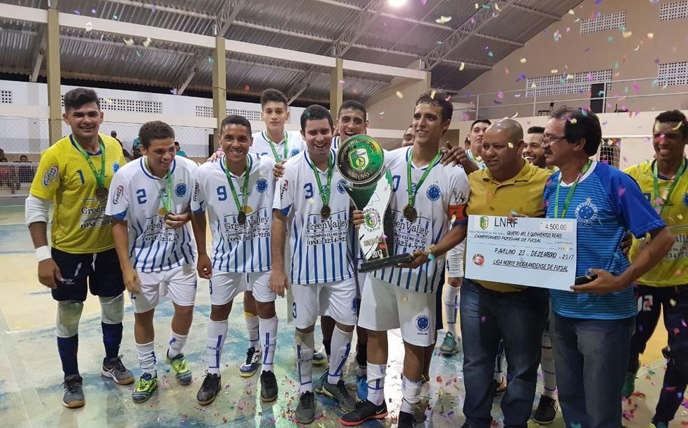 Cruzeiro de Assú comemora título de campeonato promovido pela Liga Norte-rio-grandense de Futsal (Foto: Divulgação)