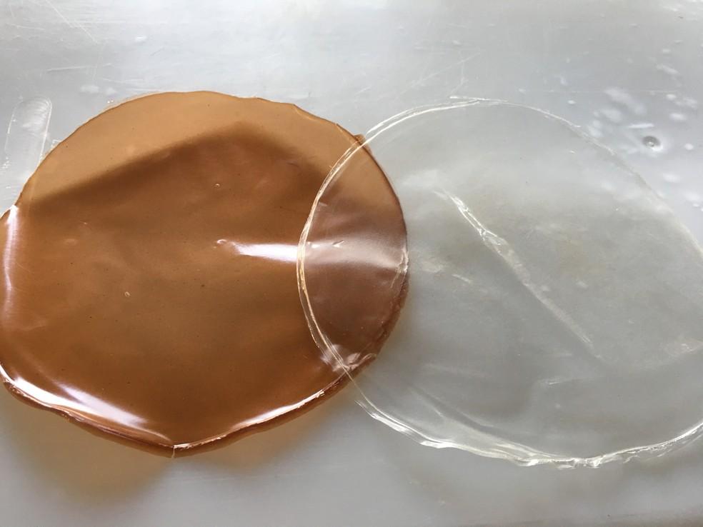 A pesquisadora da USP, Bianca, desenvolve bioplásticos a partir de resíduos do açafrão e do babaçu. — Foto: Arquivo Pessoal