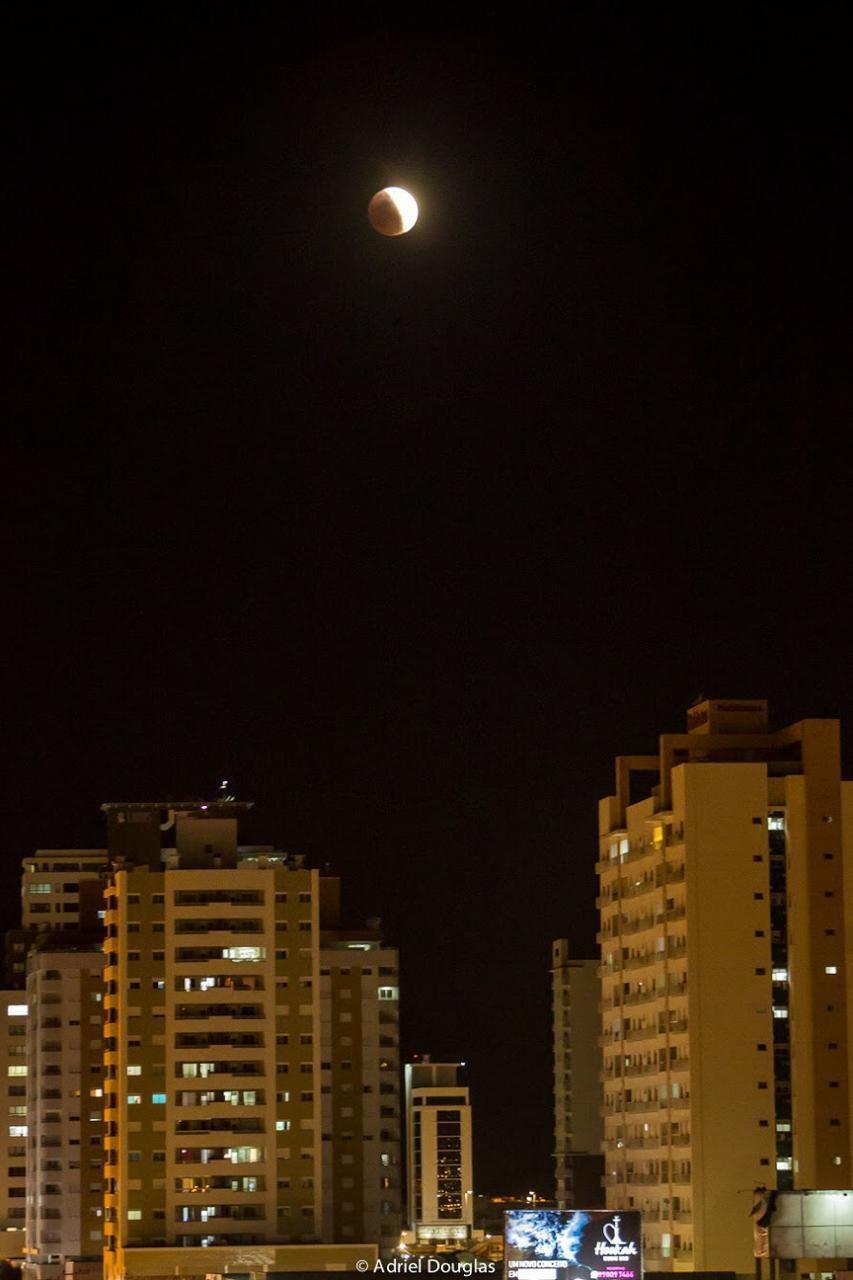 Eclipse parcial da Lua é visto em SC; FOTOS - Notícias - Plantão Diário
