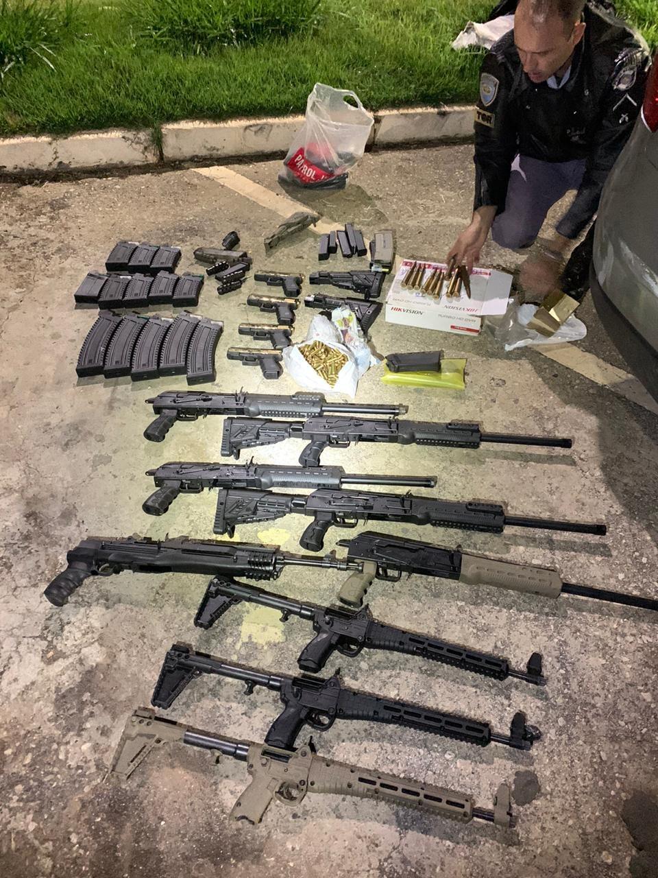 Polícia apreende fuzis, metralhadoras e munições que podem derrubar aeronaves em Taquarivaí