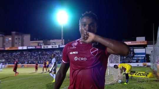 Um gol no ano, volta após drama e experiência: conheça o atacante que o Guarani pretende anunciar