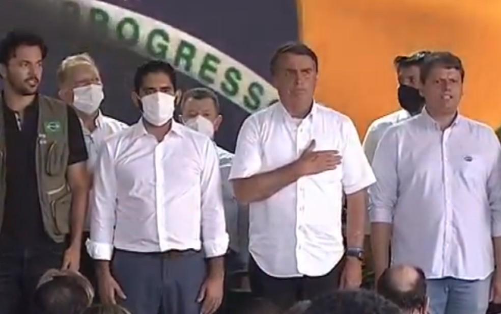 Presidente Jair Bolsonaro em inauguração de trecho da Ferrovia Norte-Sul em São Simão Goiás — Foto: Reprodução/TBC