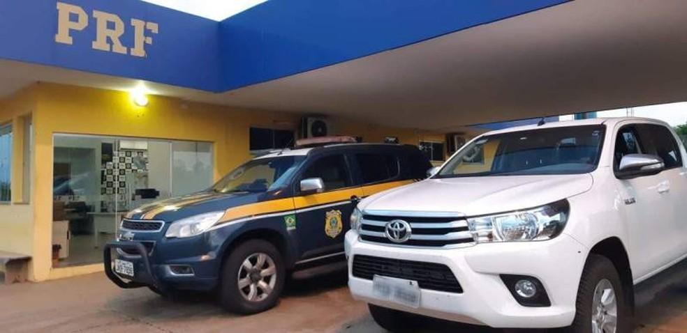 PRF recupera caminhonete e prende mulher pela quinta vez neste ano em rodovia de MS.  Foto: Polícia Rodoviária Federal/Divulgação