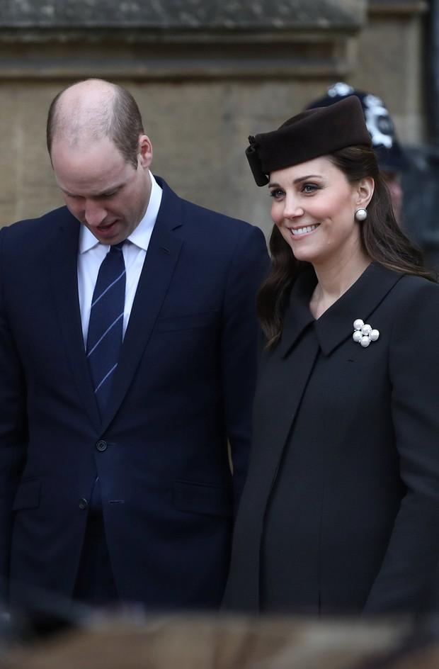 Kate grávida do terceiro filho com William durante as celebrações da Páscoa em 1º de abril (Foto: Getty Images)