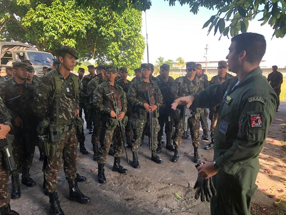 Militares devem compor a equipe de brigadistas que trabalham no combate a focos de incêndios na floresta — Foto: Ascom/ Exército Brasileiro