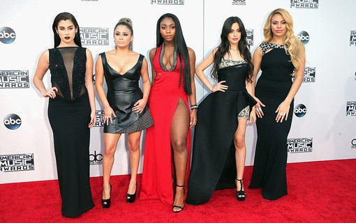 Lauren Jauregui, Ally Brooke, Normani Kordei, Camila Cabello e Dinah Jane-Hansen do Fifth Harmony