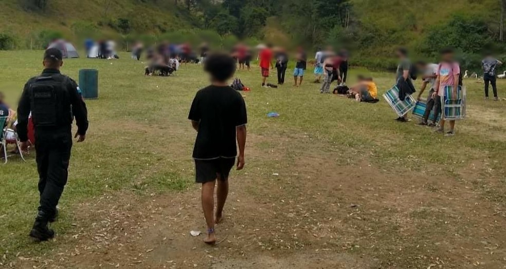 Local tinha acampamento e música eletrônica — Foto: Divulgação/Prefeitura de Volta Redonda