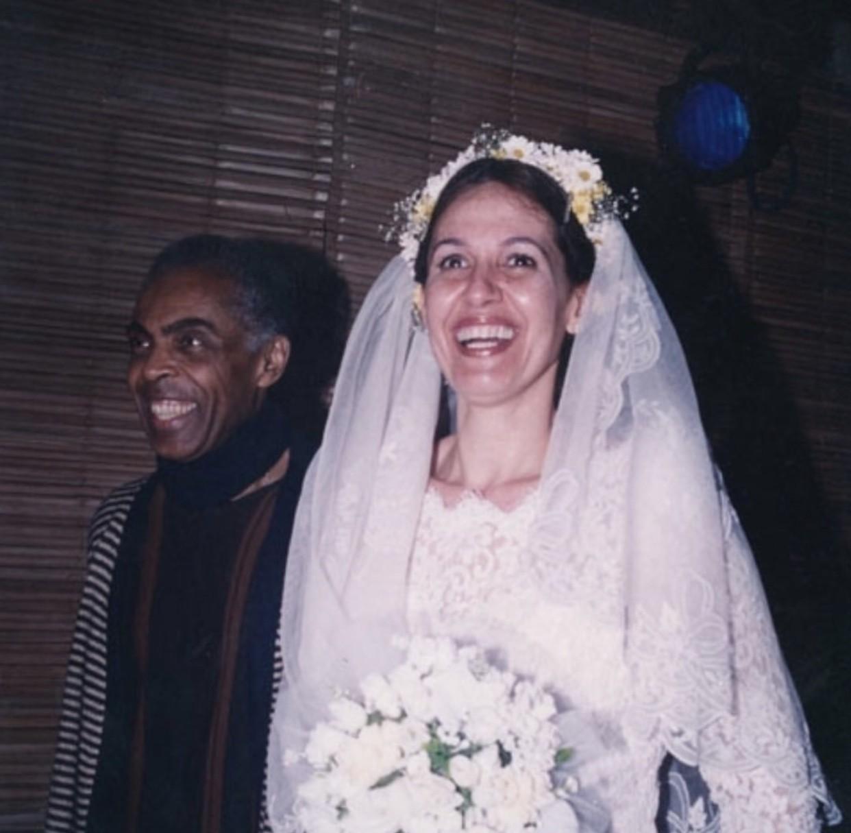 O casamento de véu e grinalda (Foto: Reprodução Instagram)