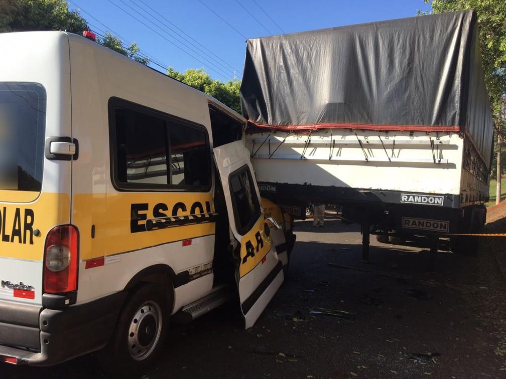 Acidente deixou uma vítima fatal em Dracena (Foto: Mariana Gouveia/TV Fronteira)