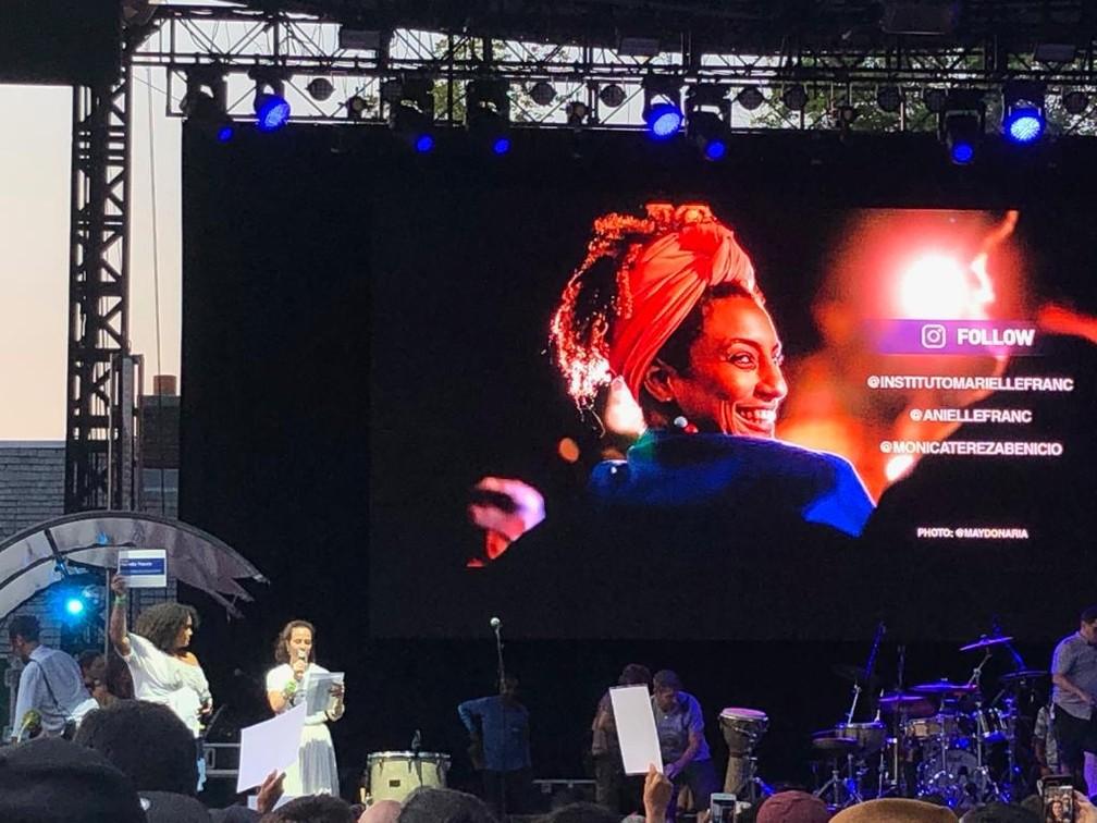 Marielle Franco é homenageada em festival no Central Park, em Nova York, no sábado (27) — Foto: Mônica Maria Barbosa/G1