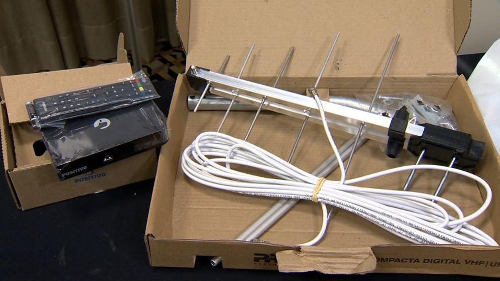Kit para sinal digital será distribuído gratuitamente a beneficiários de programas sociais (Foto: Reprodução/ TV Gazeta)