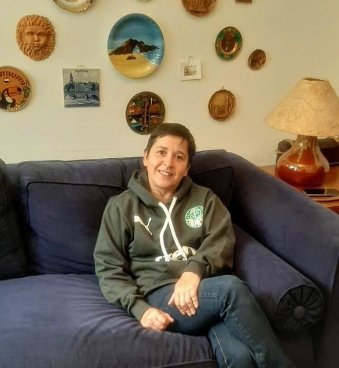 'Parei de mandar dinheiro para minha mãe', 'cortei a internet'; como os brasileiros estão lidando com a queda na renda