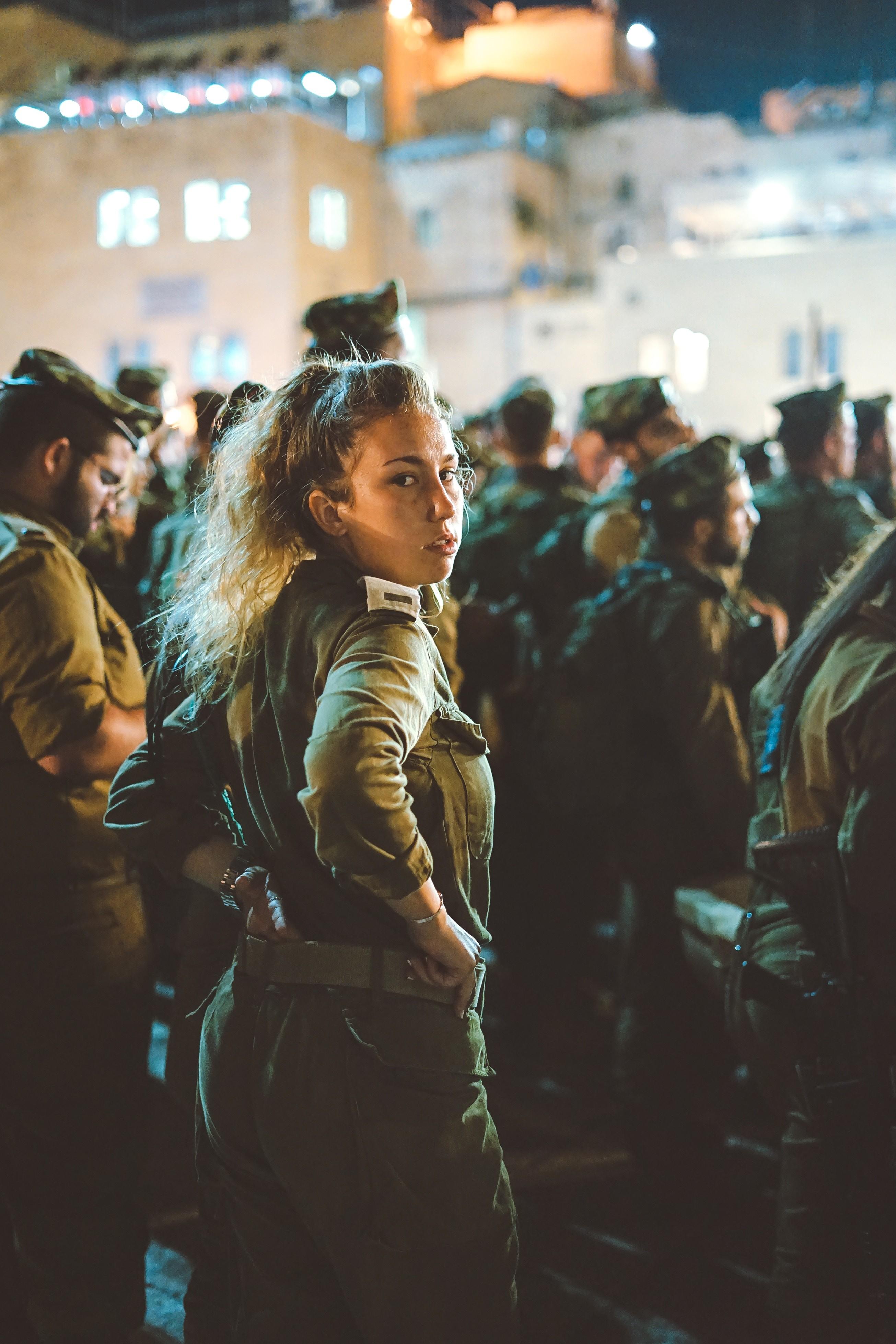 Forças Armadas britânicas passa a aceitar mulheres nas unidades de combate (Foto: Unsplash)