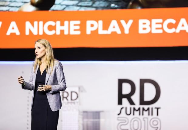 April Dunford, especialista em posicionamento de produto, em palestra no RD Summit 2019 (Foto: Guilherme Leporace/Divulgação)