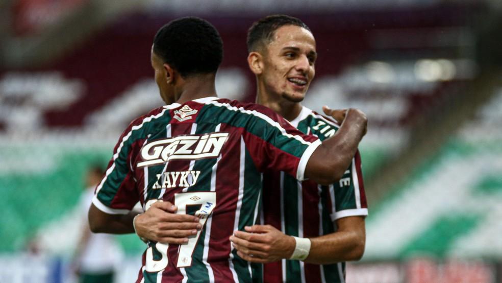 Kayky e Gabriel Teixeira em vitória do Fluminense sobre a Portuguesa — Foto: Lucas Merçon FFC