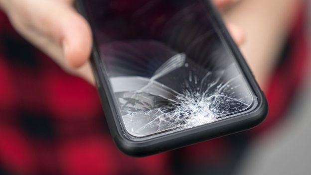Telas super resistentes valeriam uma fortuna para qualquer fabricante de celulares (Foto: Getty Images)