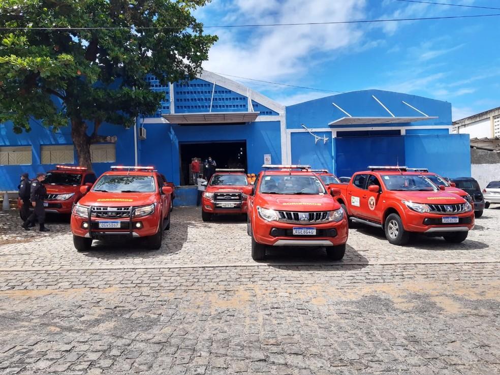 Carros do Corpo de Bombeiros usados para distribuição de vacinas aos municípios potiguares. — Foto: Lucas Cortez/Inter TV Cabugi