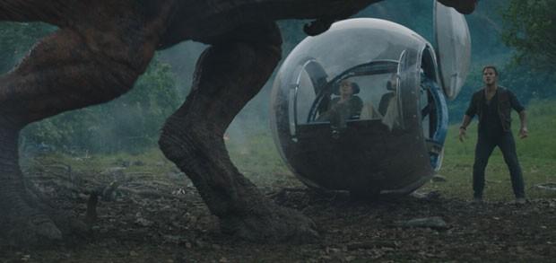 Chris Pratt, Bryce Dallas Howard e Justice Smith em Jurassic Park: Reino Ameaçado (Foto: Divulgação/Universal)