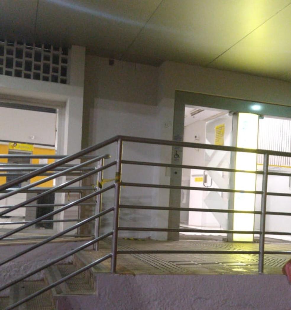 Foto mostra agência de Umarizal, no Oeste potiguar, alvo de criminosos na madrugada desta sexta (31) — Foto: Redes Sociais