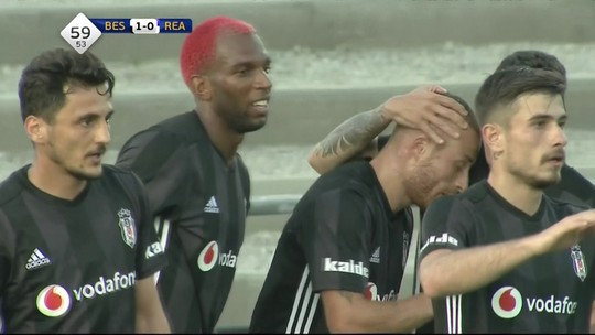 Com gol de Ryan Babel, Besiktas empata com Reading em amistoso