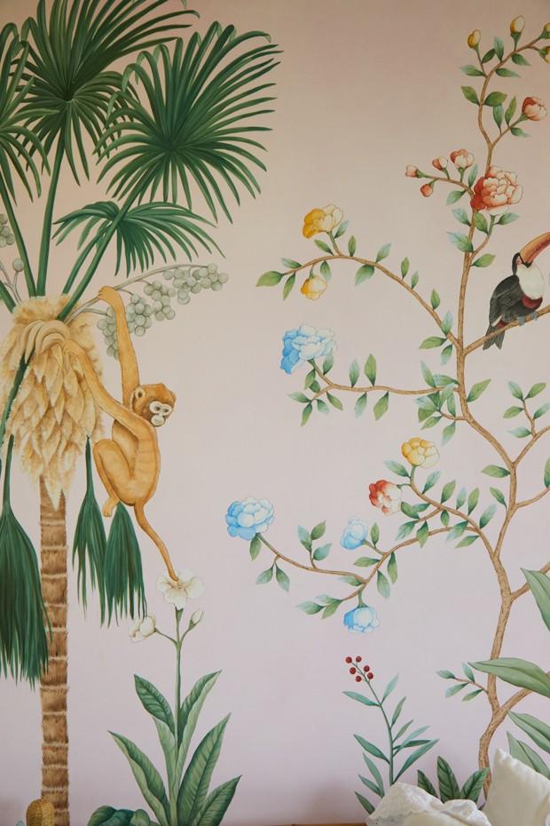 Décor do dia: quarto de bebê com parede floral (Foto: FERNANDO LOMBARDI)