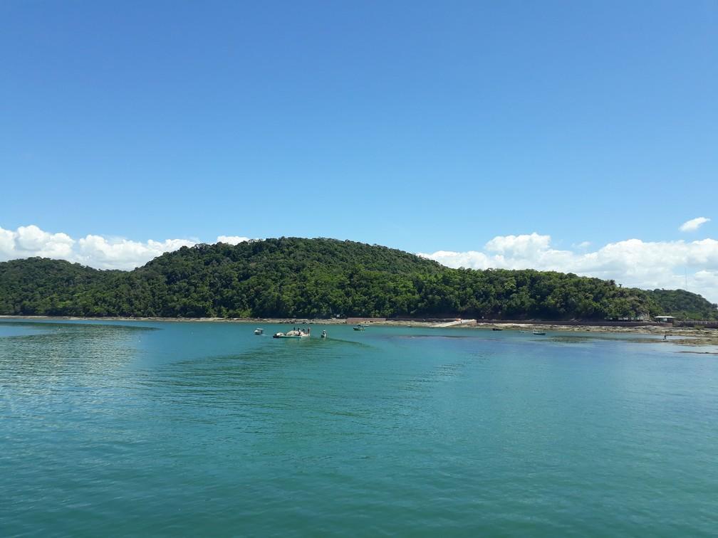 Ilha dos Frades, na Bahia fica no centro da baía de Todos os Santos — Foto: Lara Pinheiro/G1