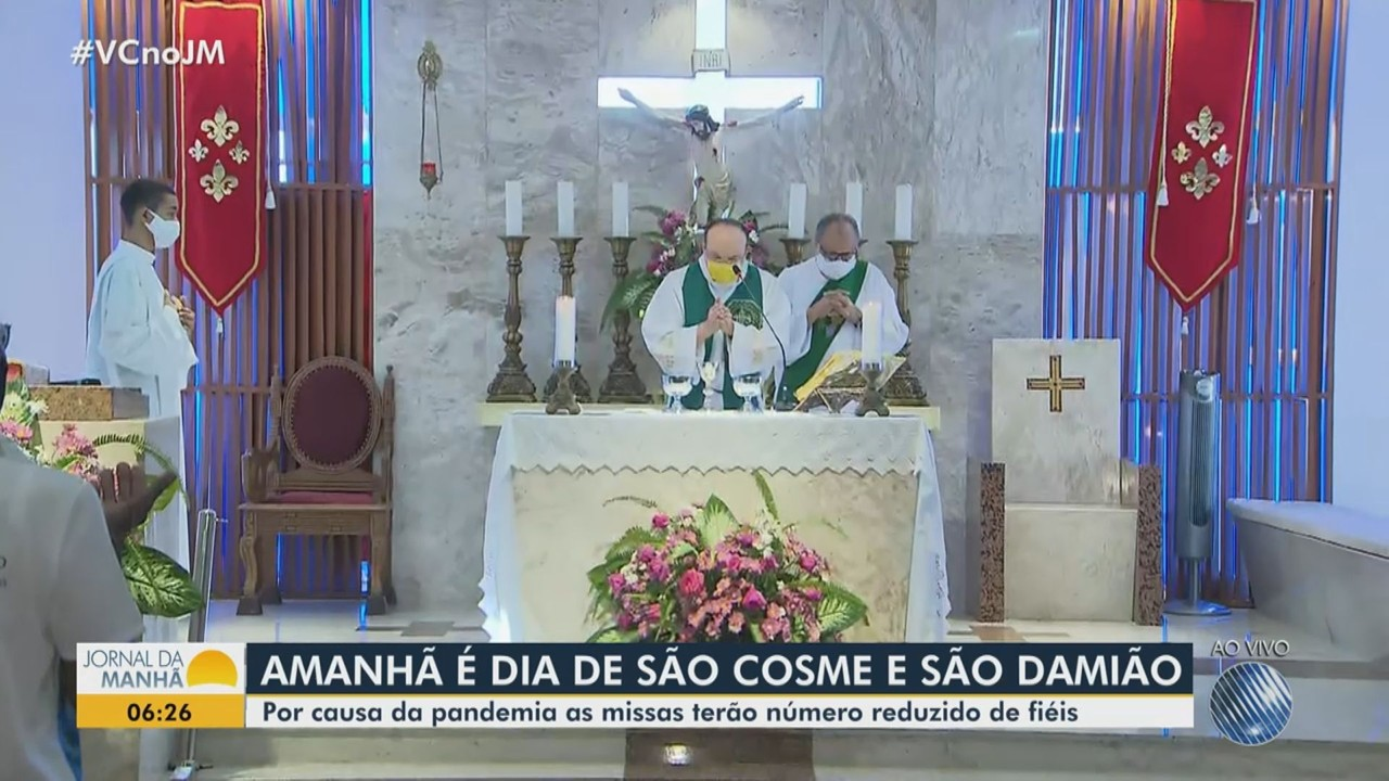 Cosme e Damião: Devotos participam de missas em louvor aos santos gêmeos