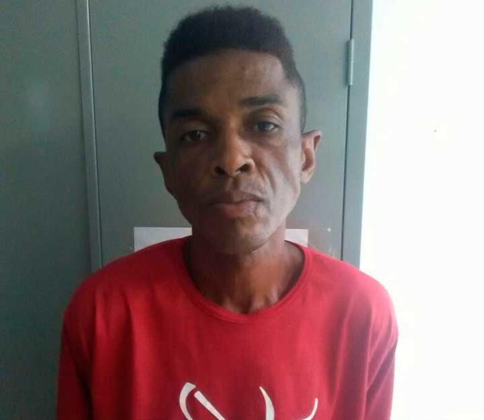 Homem é preso na Bahia suspeito de matar companheira a facadas em Salvador e diz a polícia que ela se suicidou  (Foto: Divulgação/Polícia Civil)