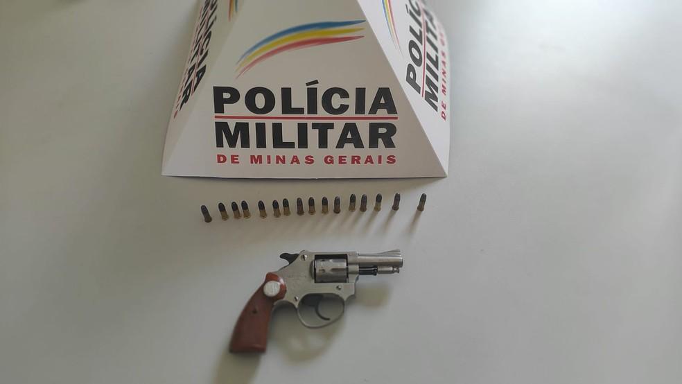 Arma apreendida pela PM — Foto: Polícia Militar