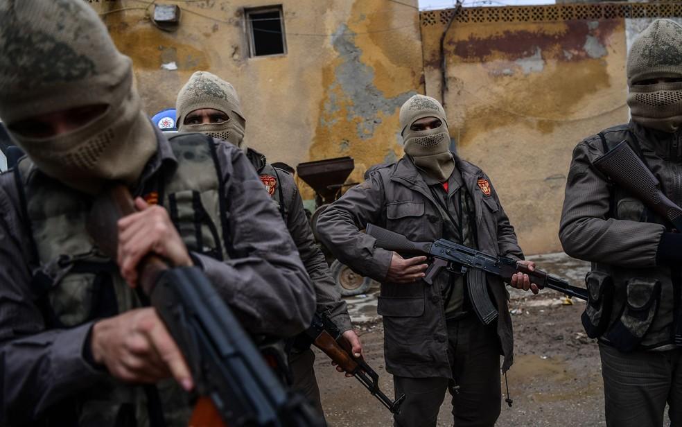 Nove mortos em ofensiva turca contra região controlada pelos curdos — Síria